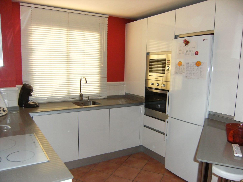 Cocinova cocinas de formica en sevilla cocinova - Formica para cocinas ...