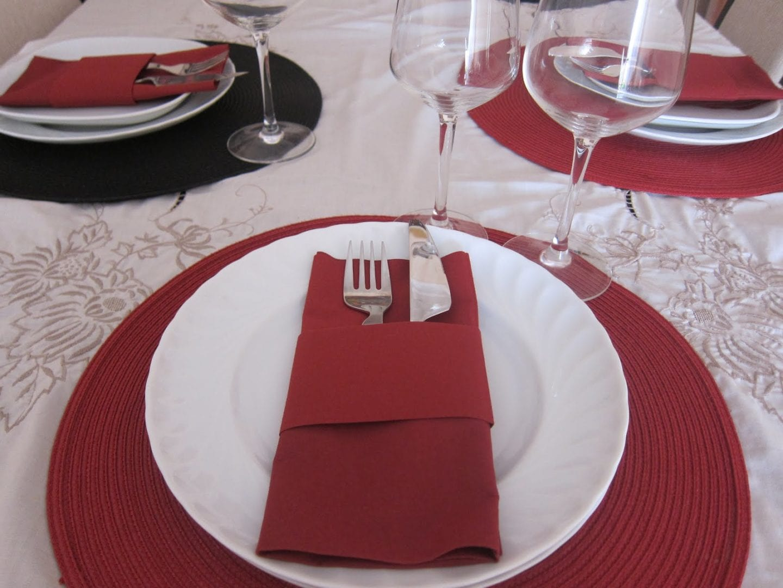 Cocinova donde se pone la servilleta en la mesa cocinova for Como se pone la mesa