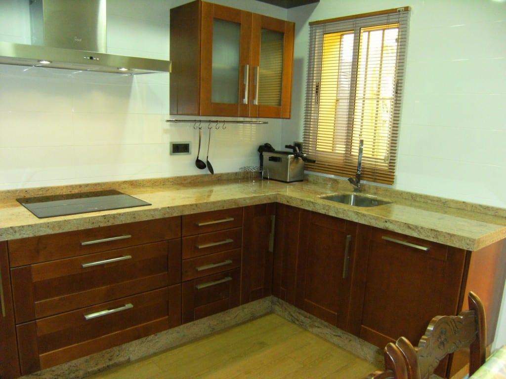 Cocinova cocina de madera de cerezo cocinova - Muebles de cocina alemanes ...