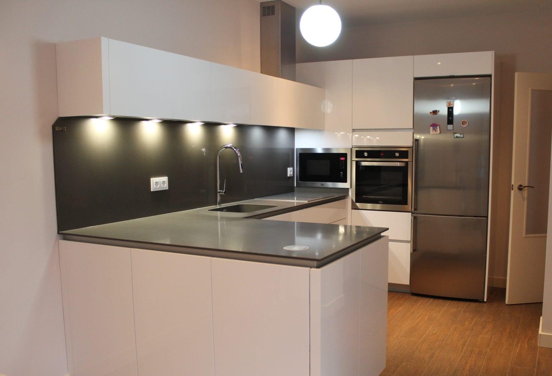 Cocinova cocina nueva de alta gama instalada en el viso for Cocinas integrales de alta gama