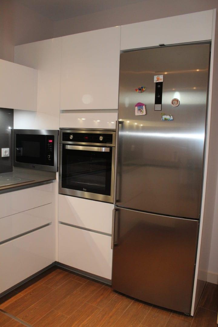 Precio cocina nueva awesome se vende cocina modelo kgg a for Precio de cocinas nuevas