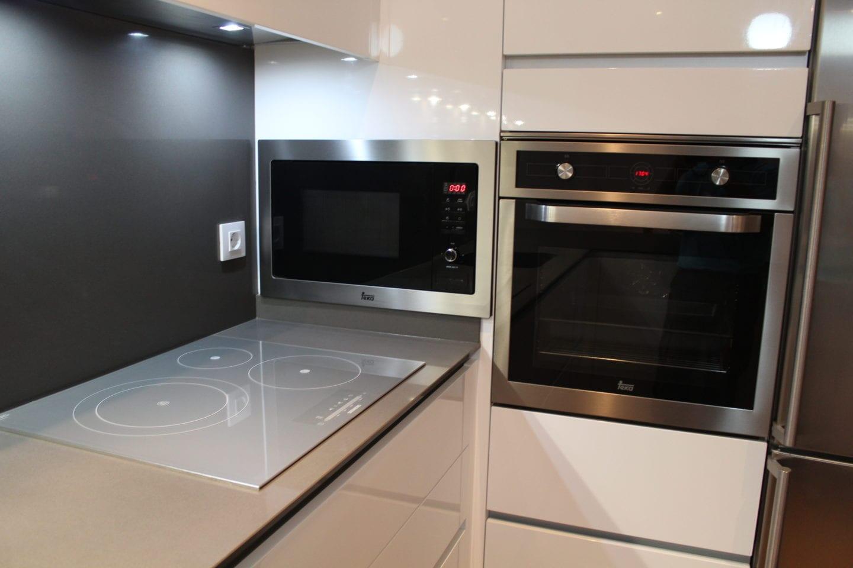 Cocinova cocina nueva de alta gama instalada en el viso cocinova - Presupuesto cocina nueva ...