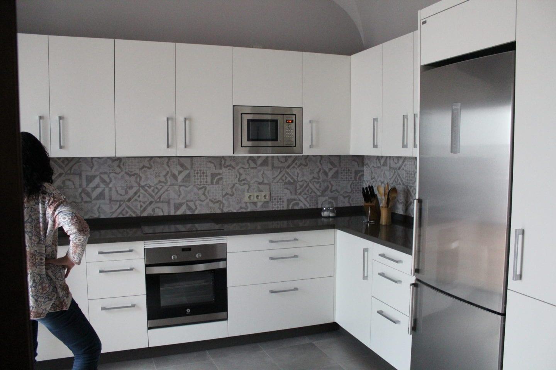 cocinova muebles de cocina en sevilla con gran almacenaje