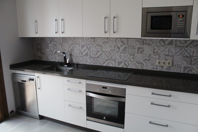Cocinova muebles de cocina en sevilla con gran almacenaje - Cocinas sevilla ...