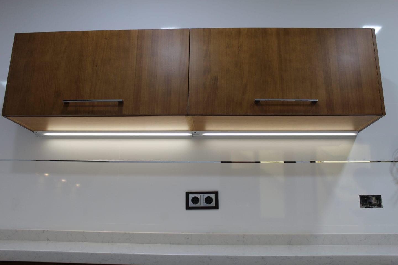 Cocinova cocina de madera maciza hecha a medida cocinova for Cocinas de madera 2016