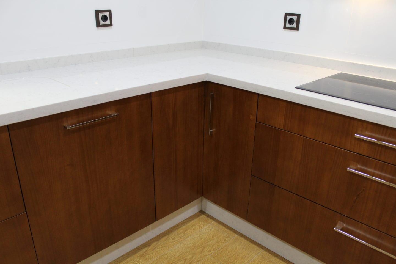 Cocinova cocina de madera maciza hecha a medida cocinova - Encimera madera maciza ...