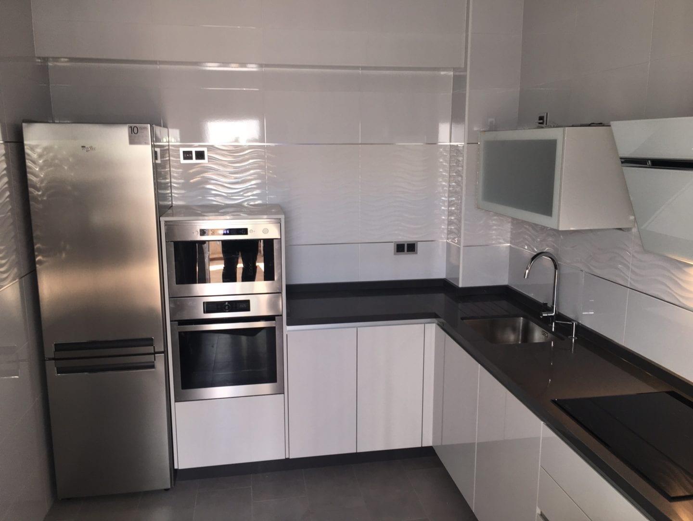 cocinova cocina lacada en color gris bruma cocinova cocinas On cocina equipada lacada gris