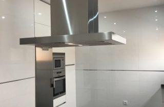 cocina-en-color-blanco-cristal