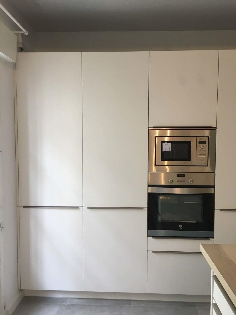 Cocinova cocina con muebles polilaminados instalada en sevilla for Muebles quivir en sevilla