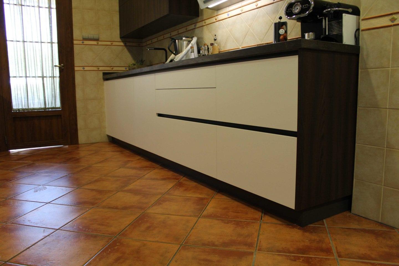 Dorable Muebles De Cocina En Dificultades Bricolaje Galería - Como ...